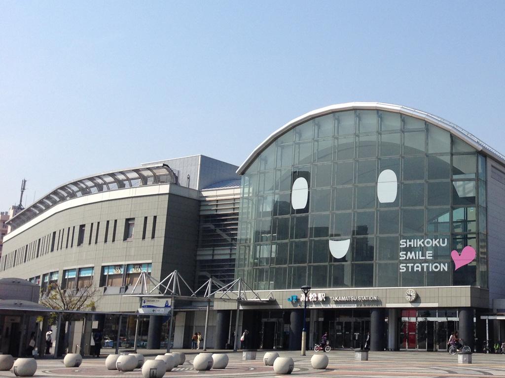 JR高松駅の様子