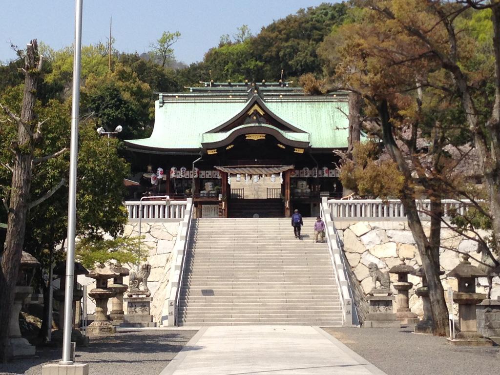 石清尾八幡宮の本殿